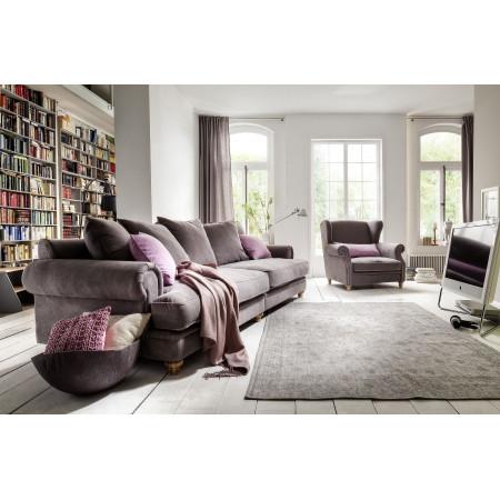 Chelsea XL sofa 290 cm z głębokim siedziskiem i stylizowanymi nogami