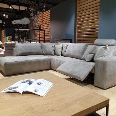 Wyprzedaż ekspozycji! Narożna sofa Monolithos 220x295cm z ozdobnym szwem